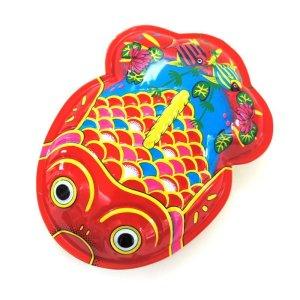 画像1: ブリキ製 金魚 ガラガラ 中